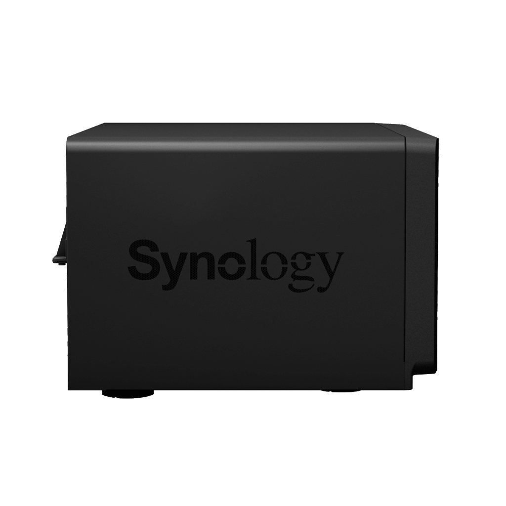 The Synology DS1817+ 2017 8-Bay NAS Unboxing and Walkthrough 5