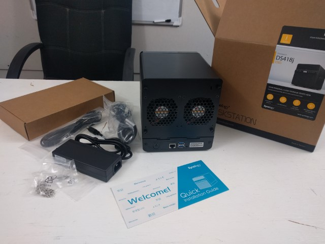 Unboxing the Synology DS418J NAS Diskstation - Is the Synology J Series Getting Better 7