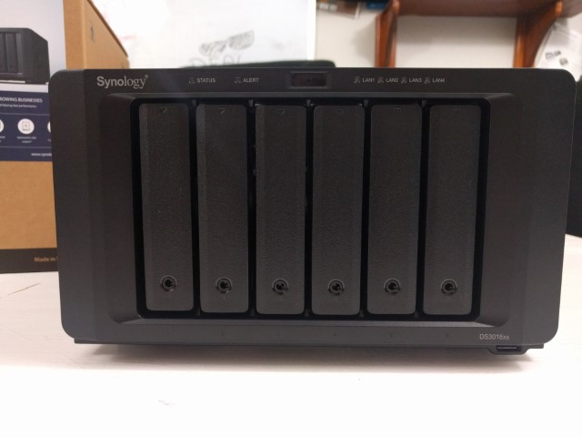 Unboxing the Synology DS3018xs 6-Bay Diskstation NAS Diskstation 8